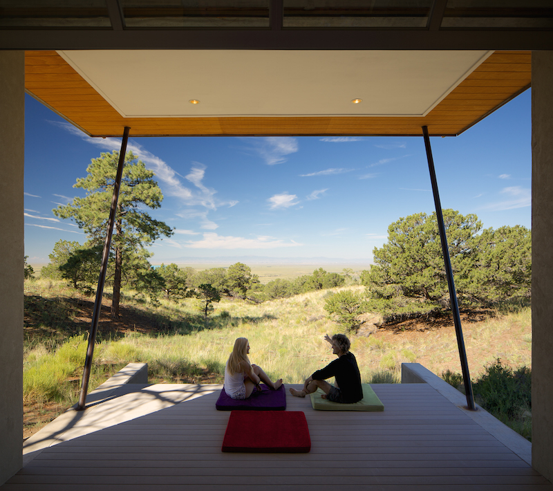 Deck | Strawbale Getaway | Gettliffe Architecture, Boulder, Colorado. Photo, courtesy David Lauer Photography.