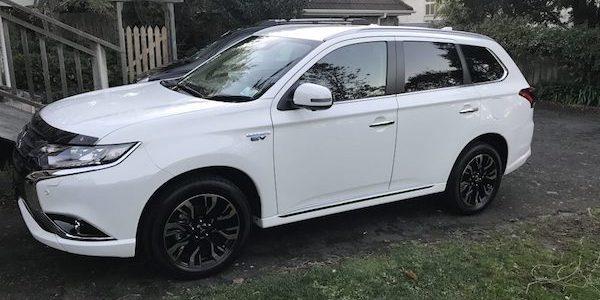 Outlander PHEV SUV